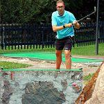 Esecuzione del colpo nel golf su pista